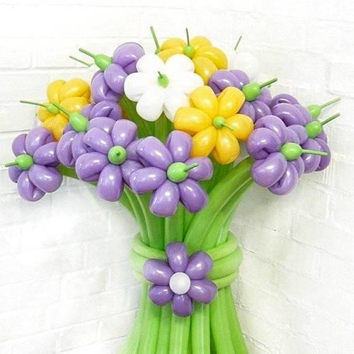 Как сделать букет с цветами из шаров 274